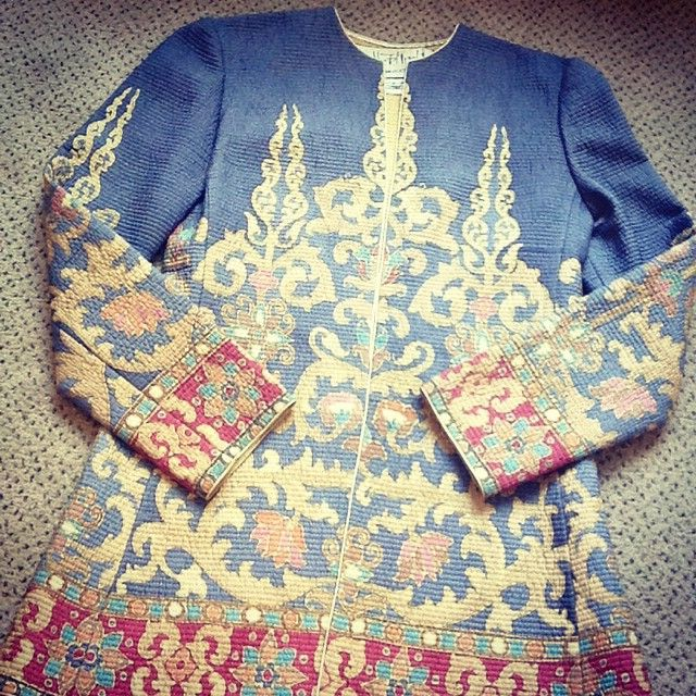 Javanese Collection hand painted line quilted on China silk #javanese #handpainted #quilted #chinasilk #marymcfadden #marymcfaddeninc #hautecouture #vintagefashion