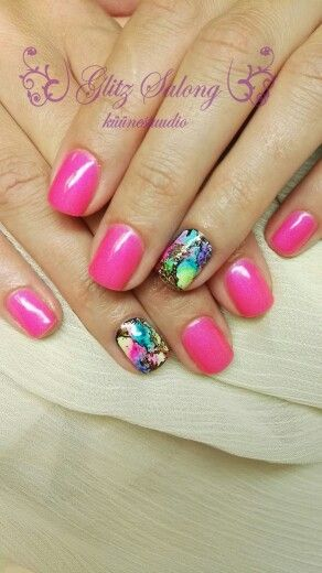 natural nails with gelpolish and design. #nailart #gelpolish #naturalnails