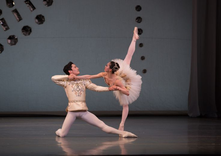 Jeffrey Cirio and Misa Kuranaga in Boston Ballet's Diamonds ©Rosalie O'Connor