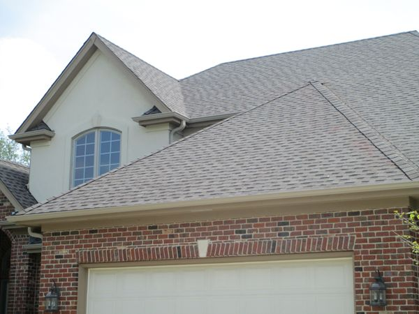Best How To Choose A Roof Color Seven Things To Consider With Images Roof Colors Brown Brick 400 x 300