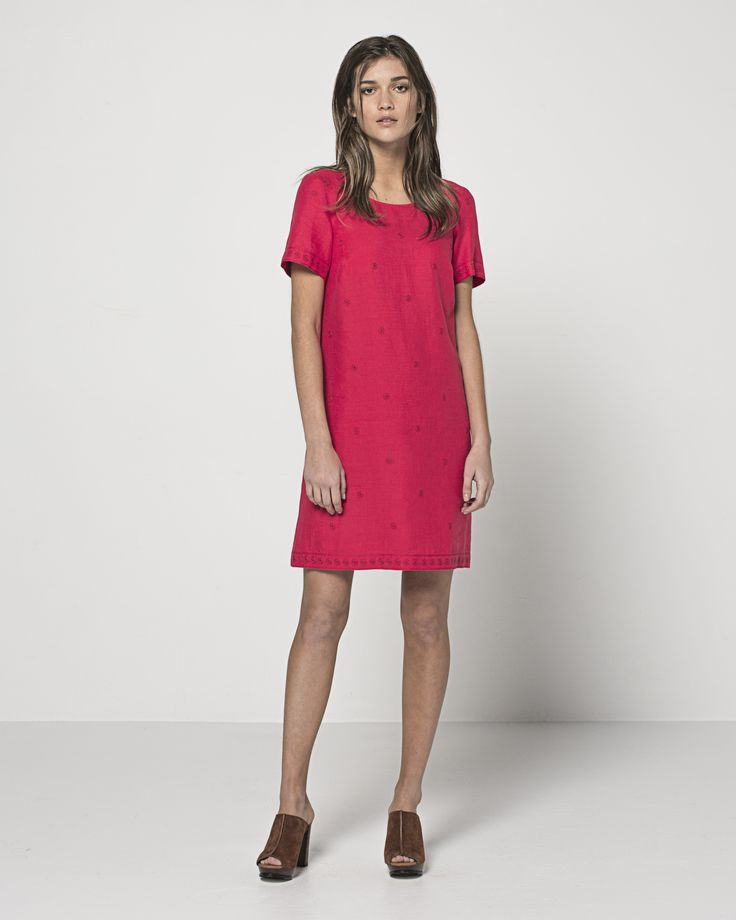 Embroidered Linen Daisy T Dress (Poppy)