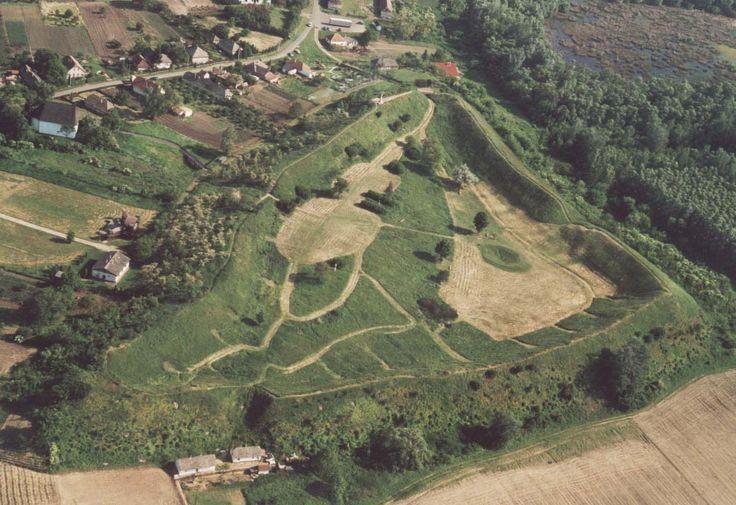 Szabolcsi földvár / #sand #castle in Szabolcs Forrás/source: hu.wikipedia.org