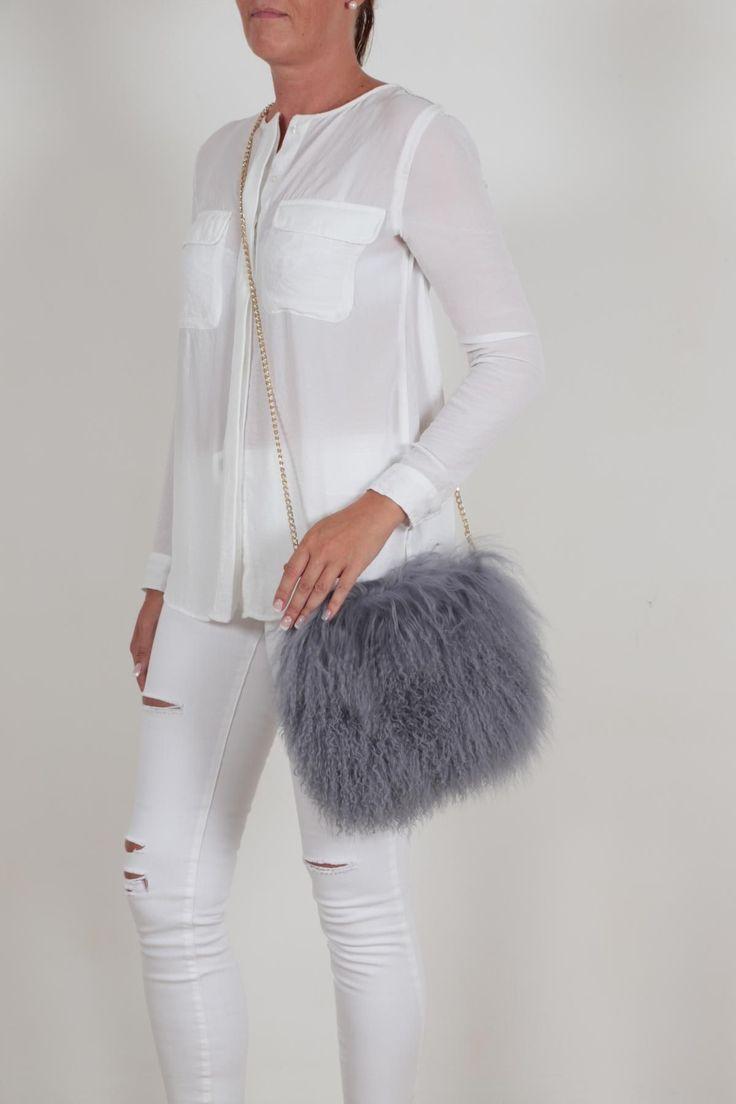 EYES ON MISHA Boho Bag Mongolian Lamb Fur AW 2017/18 #bag #furbag #mongolianfur #furfashion #furaccessories #grey