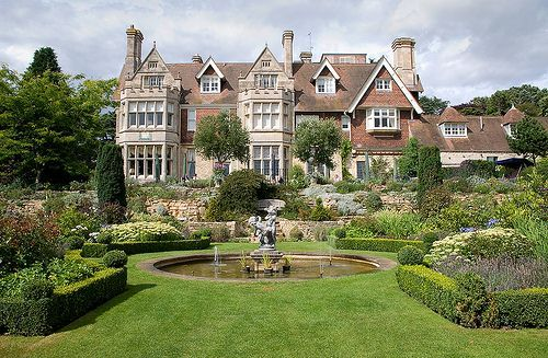 Relais & Chateaux - A Victorian House, elegantly converted into a prestigious hotel, Hambleton Hall is hidden away in the heart of the Midlands, in the county of Rutland. England's smallest county is also home to the largest artificial lake in Europe. Hambleton Hall, UK #relaischateaux #gardens