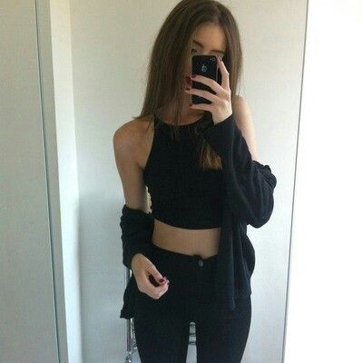4) Black, minimal ,American apparel outfit via weheartit #AmericanApparel #BestOfSeenAndSubmitted