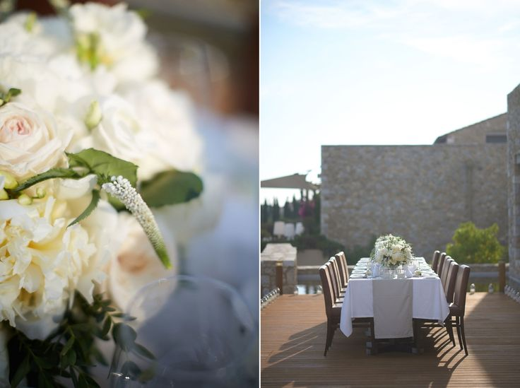 The white flowers reflect the sunlight creating the most enchanting ambience for your wedding celebrations.