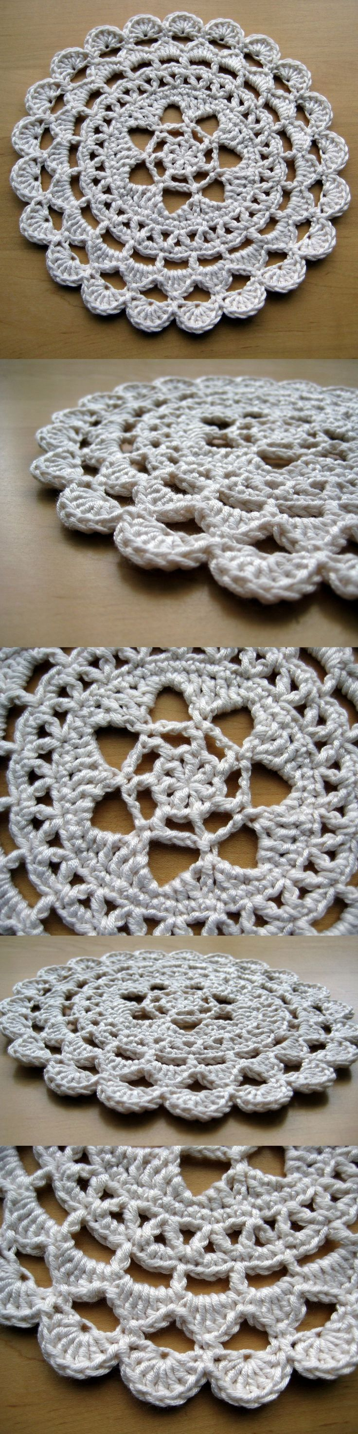 Pretty Passion Flower Doily – free pattern in dk weight yarn Maybe this would translate to a placemat with cotton worsted and a bigger hook