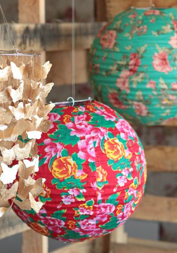 Floral World Lantern  Get 5% cash back http://www.studentrate.com/itp/get-itp-student-deals/Threadsence-Discounts-and-Coupons--/0