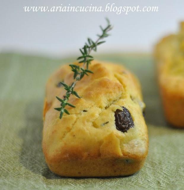 Mini cake alla feta, timo e olive taggiasche