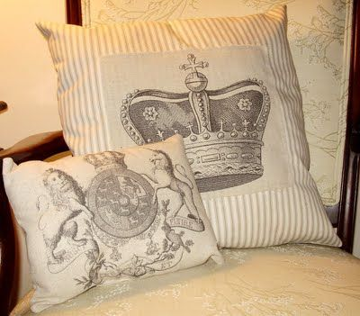 The Graphics Fairy - DIY: Regal Pillows - Printing on Fabric