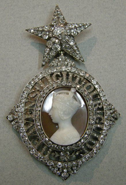 Order of the Star of India, George V's Sovereign's Badge, c. 1911, 89 x 58 mm.