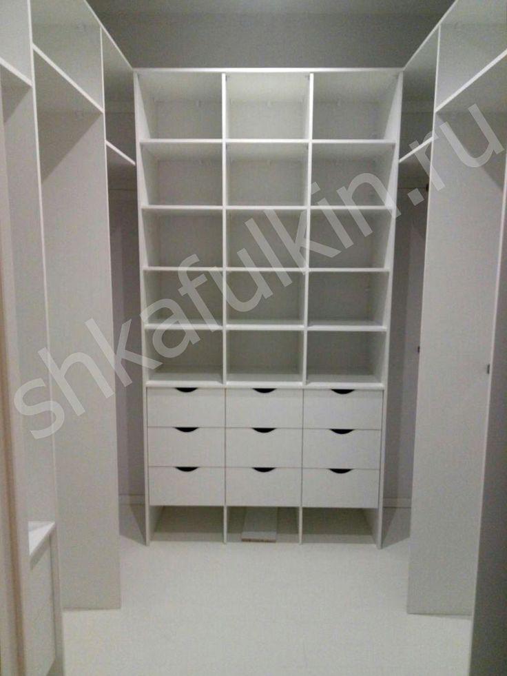 Гардеробная светлая. #shkafulkin #design #ideas #furniture #white #светлаямебель #мебельдляспальникаф #шкафулькин #модерн #стекло #лакобель #спальня #мебельдляспальни