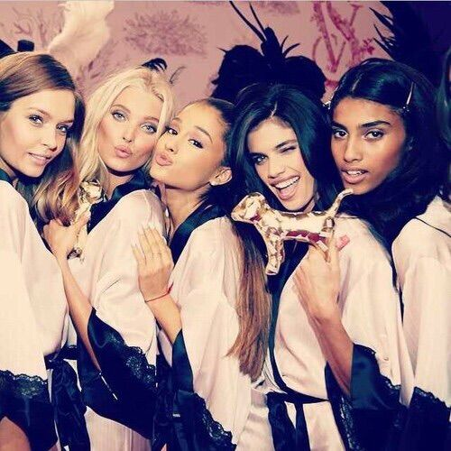 Image via We Heart It #beautiful #cute #fun #girls #perfect #pretty #smile #style #Victoria'sSecret #wink #♥ #duckface #grimaces #arianagrande #model's #arianaisthebest #_ilovearianagrande_