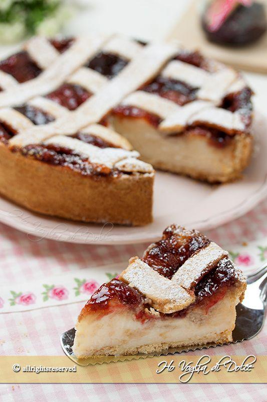 Crostata di ricotta e marmellata una ricetta facile per ogni occasione. Una crostata fresca e cremosa con un ripieno di confettura di fragole, piace a tutti