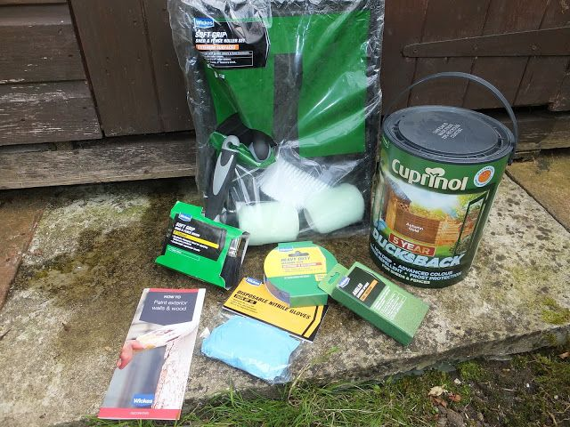Garden Improvements: Paint Your Fence with Wickes