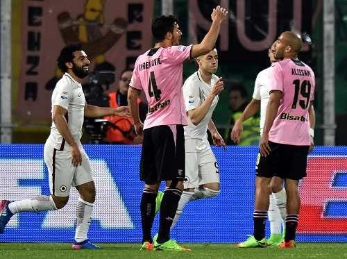 Cronaca: #Veleni e #goleade nelle vittorie delle big (link: http://ift.tt/2mBcleS )