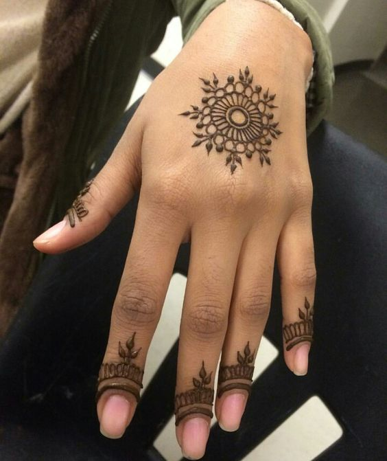 60+ STUNNING HENNA TATTOO DESIGN BECOMES A TREND – Page 32 of 65