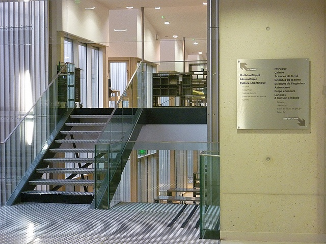 lescalier central by bu des sciences de versailles via flickr signal tique biblioth que. Black Bedroom Furniture Sets. Home Design Ideas
