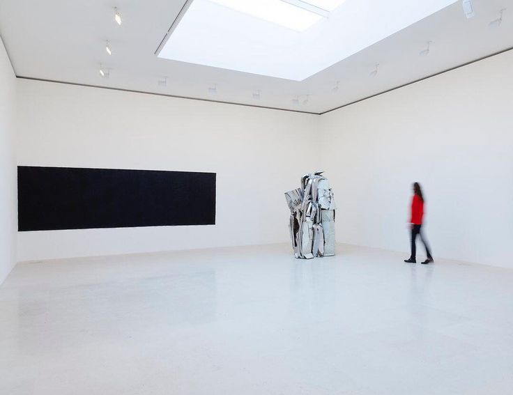 """Tonight, May 17, Gagosian Paris is open to visitors, with """"Spring Installation"""" until 11PM CET as a part of Nocturne Rive Droite.  A group exhibition including work by John Chamberlain, Edmund de Waal, Richard Serra, and others is on view. For visitor information, click on the link in our bio.  #GagosianParis #SterlingRuby #NocturnRiveDroite #NRD2017 @NocturneRiveDroite  __________  Image: """"Spring Installation,"""" installation view. All artworks copyrighted. Photo by  Zarko Vijatovic."""