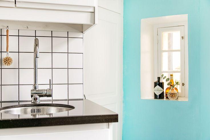 Kök hemnet fönster turkos