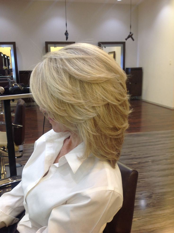 Medium length hair with beautiful highlights and layers