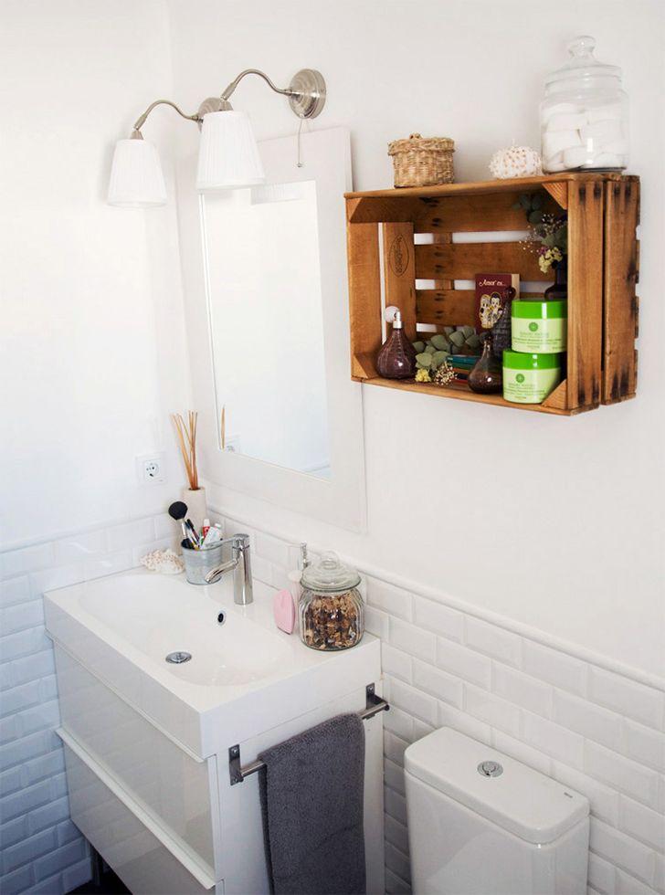 Banheiro decorado com caixote de feira. - (Casinha Arrumada)