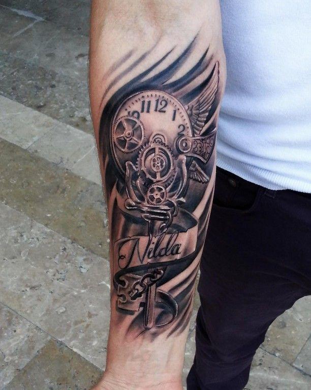 Tattoo Ziffernblatt Zahnräder Schrift