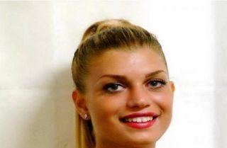 Planet Stars: Νικόλ ντι Μάριο: Η γυναίκα που σώθηκε από την τραγ...