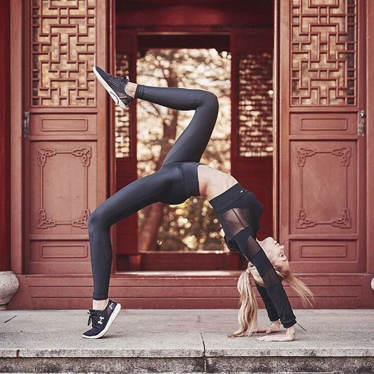 Stretch yourself beyond what you think you can do! :: Beauty @camilla_akerberg in our uniquely designed Active Cropped Jacket :: SHOP yours with AFTERPAY via link in our bio #femmebodyactive #movewithpurpose