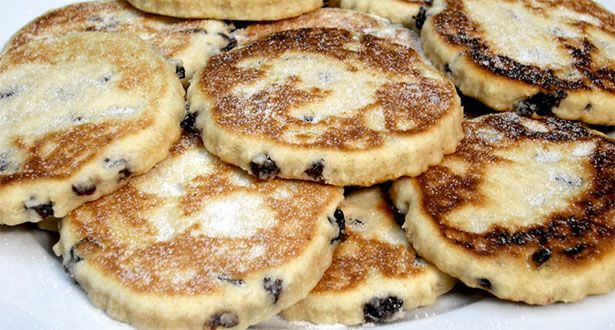 Auntie Queenie's Welsh Cakes (picau ar y maen): Queeni Welsh, Traditional Welsh, Christmas Cakes, Cakes Recipes, Welsh Teas, Bounty Breakfast, Welsh Cakes, British Recipes, Teas Cakes