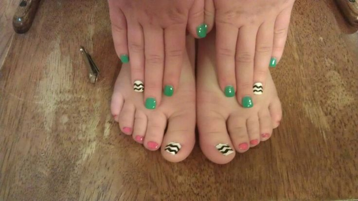 Charity's chevron pedicure to match her manicure. :)