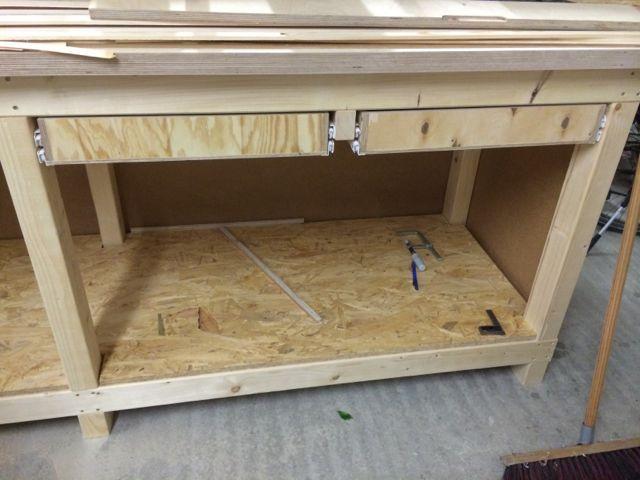 die besten 25 schubladenf hrungen ideen auf pinterest lego tisch lego tisch mit stauraum und. Black Bedroom Furniture Sets. Home Design Ideas