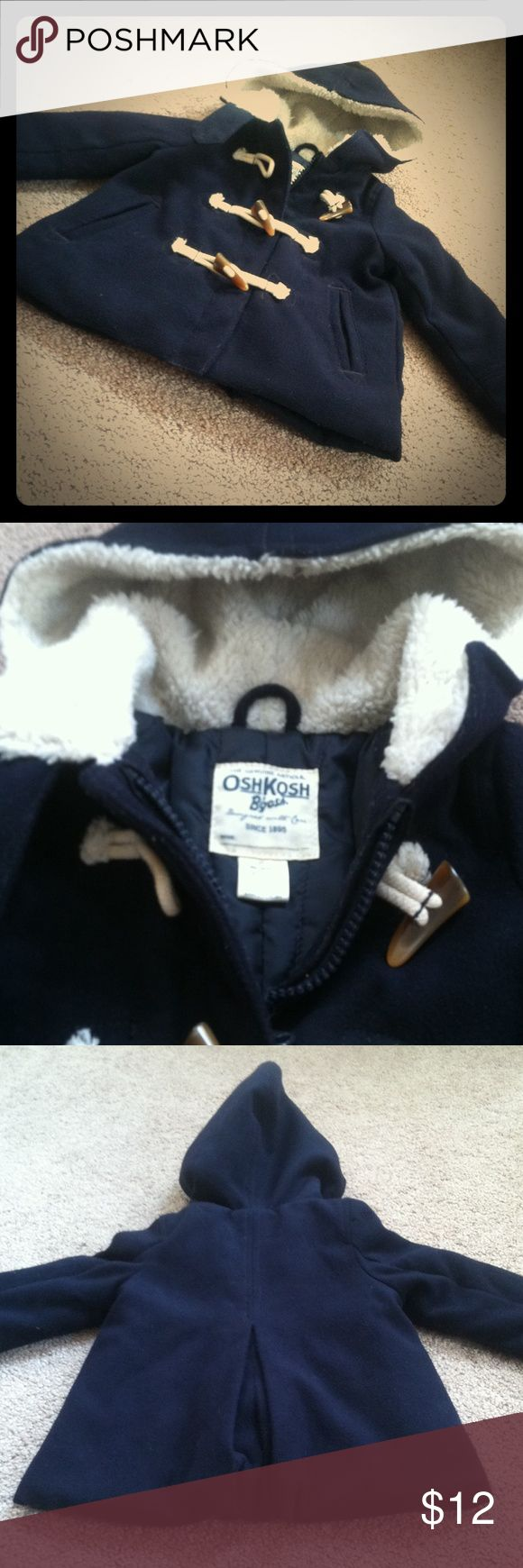 Navy Blue 2T Girl's PeaCoat Great condition. Worn one season. Zipper and toggle buttons all work Osh Kosh Jackets & Coats Pea Coats