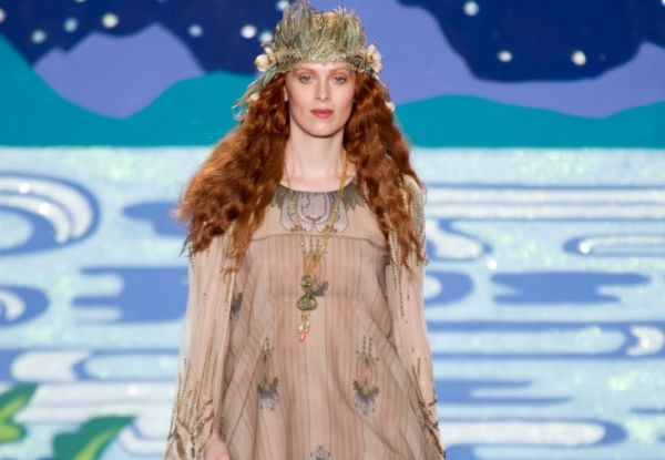 Video: Anna Sui SS 2014 - MarieClaire