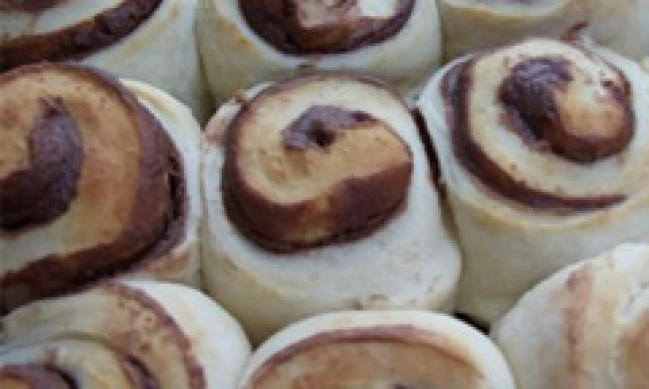 Scrolls are a delicious snack you can make from scratch. Whether you stuff the dough with a savoury filling like cheese and vegemite, or a sweet filling like apple and cinnamon, these are the perfect lunch box filler.