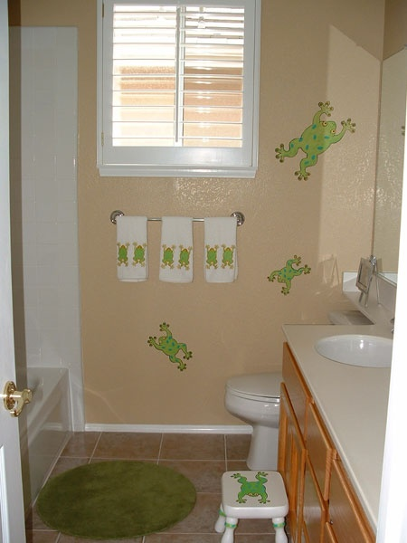 43 best bathroom images on Pinterest | Frogs, Frog bathroom and Nursery