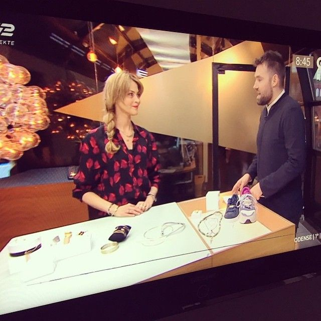 Co-Founder of @thejewelleryroom_official Charlotte Møbjerg on national TV presenting new Jewellery trends. We noticed a few pieces from our new Fearless ear wear collection Can't wait to show you all #jewellery #trends #innovative #danishdesign #godmorgendk #tv2 #thejewelleryroom #lulubadulla #pressday