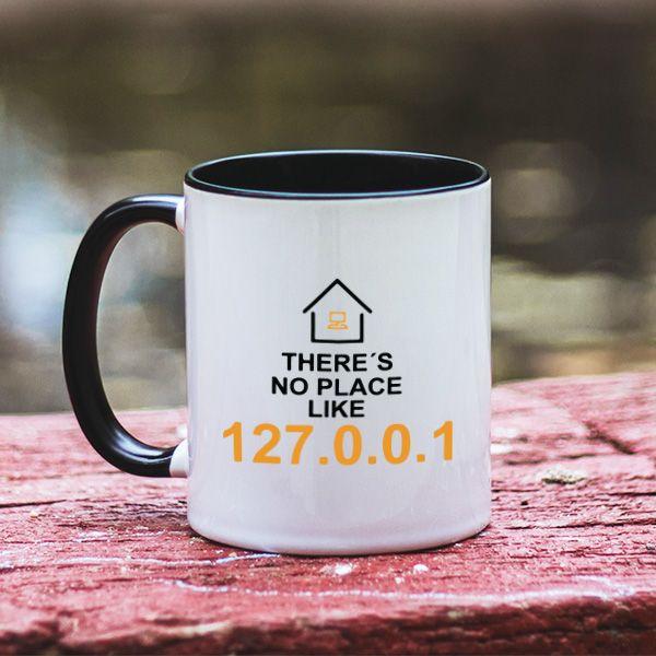 Tu stii ce inseamna acasa pentru un programator? Iti spunem noi: 127.0.0.1. Exact asat spune si mesajul acestei cani. Este extrem de amuzant si poate fi cadoul ideal pentru prietenul tau programator pentru ca de acum inainte isi va bea cafeaua intr-o cana personalizata.
