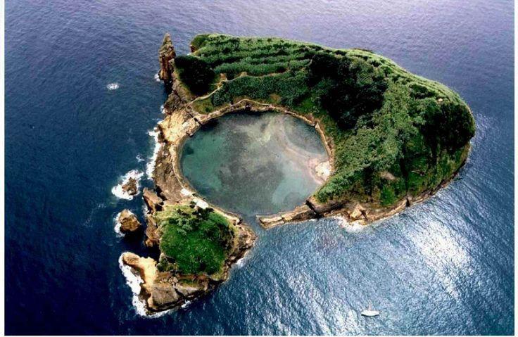ilhéu de Vila Franca - tiny island off the coast of Sao Miguel Acores near the town of Villa Franca