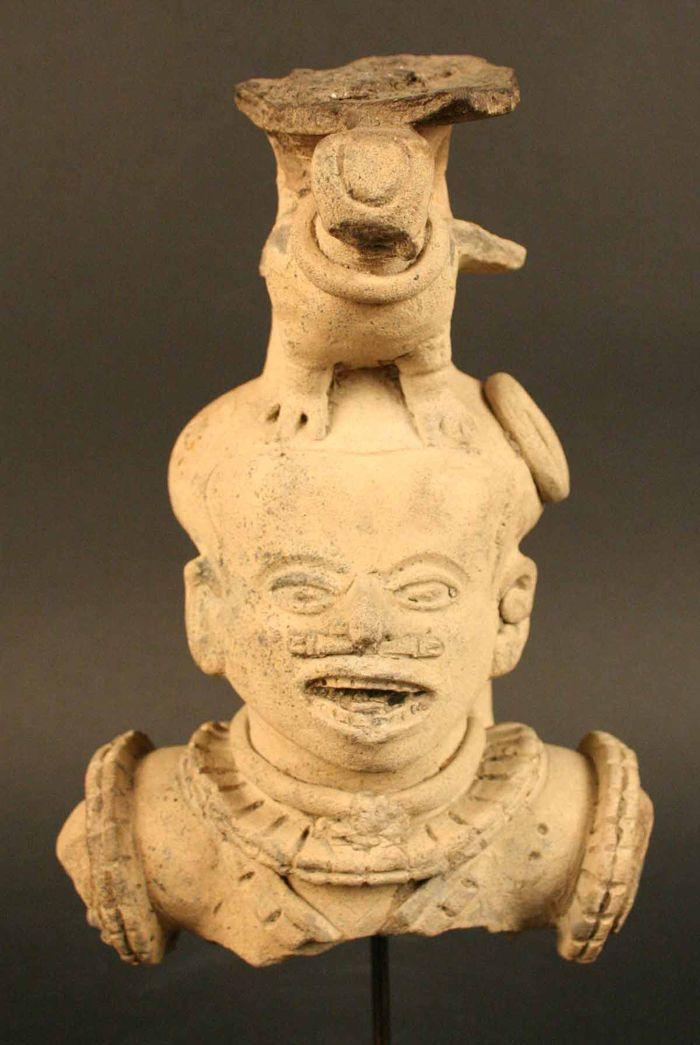 Figura antropomorfa – Museo Chileno de Arte Precolombino Museo Chileno de Arte Precolombino