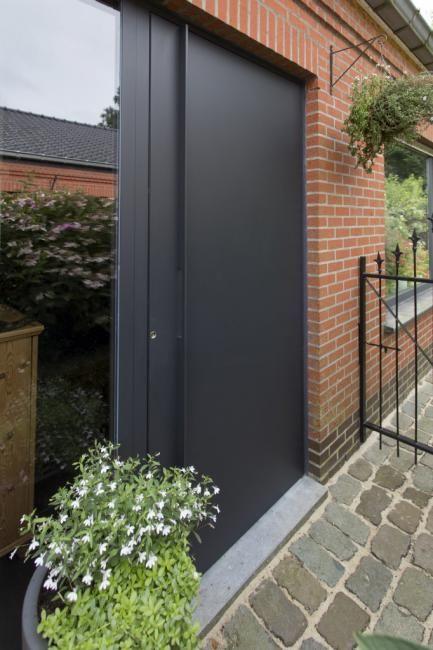 Aluminium voordeur modern te Kampenhout ral 7021