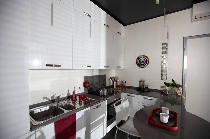 semprelegno (@semprelegno) | Twitter Con i mobili della #Semprelegno il #MadeinItaly ritorna ad essere al centro di ogni ambiente. Arredamenti realizzati su misura all'interno della nostra falegnameria secondo il progetto dell'architetto di fiducia del committente per una cucina chic in stile contemporaneo http://bit.ly/1KGOW5z
