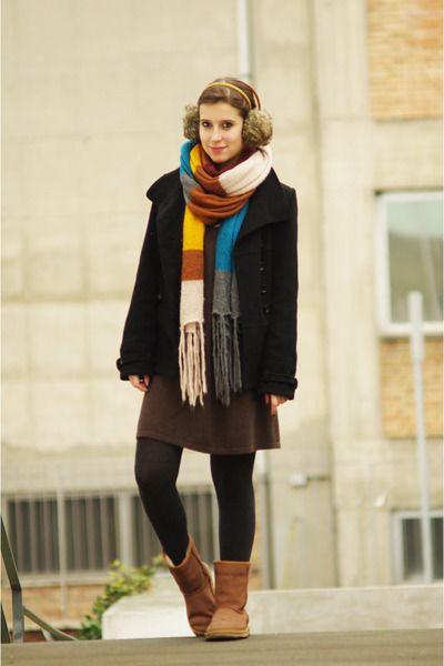 Bronze-ugg-boots-black-zara-coat-gray-tezenis-tights_400