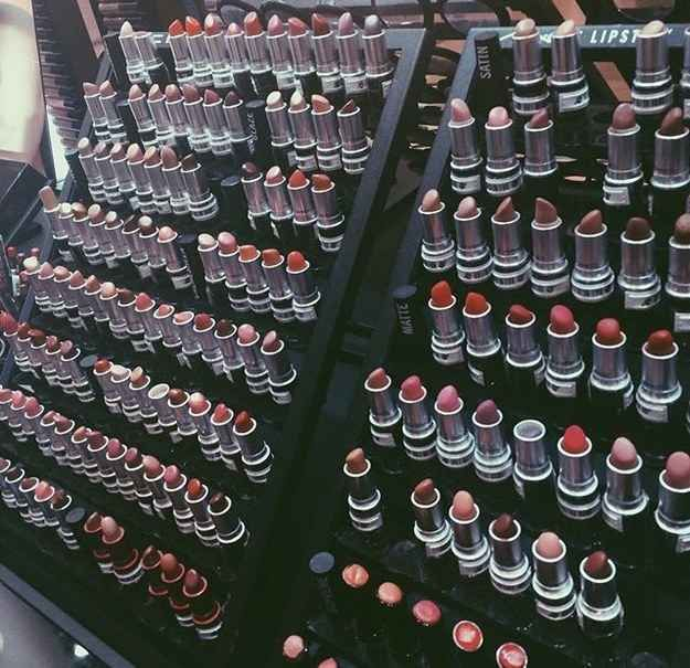 Obsessed with Mac Lipstick! The lipstick section in MAC brings you both pleasure and pain.