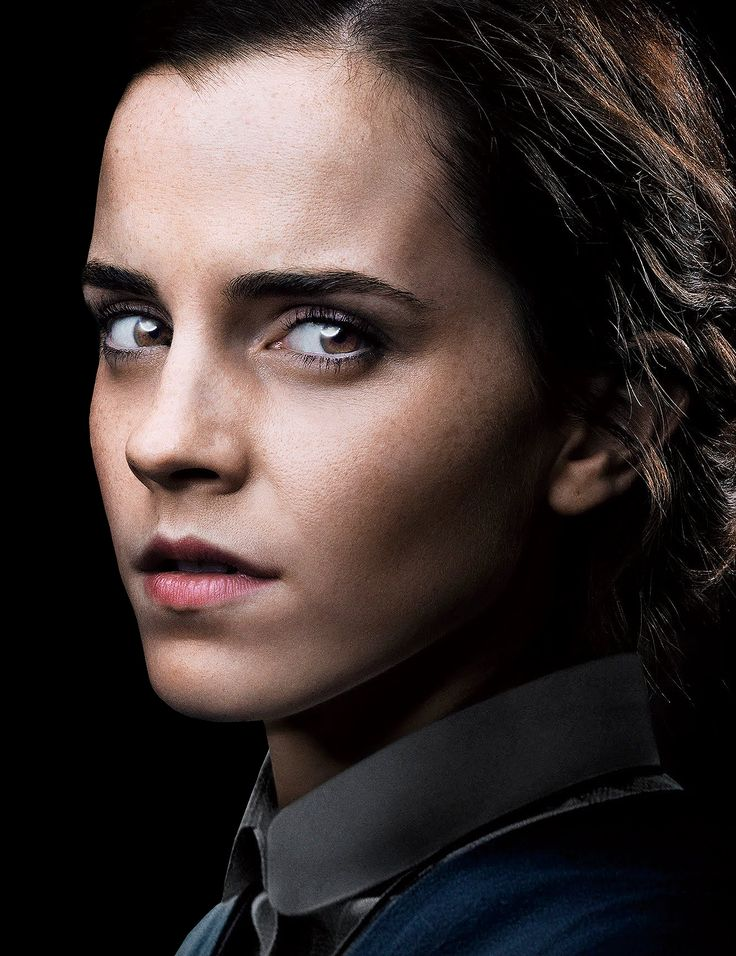 New Promotional Picture of Emma Watson for 'Colonia'