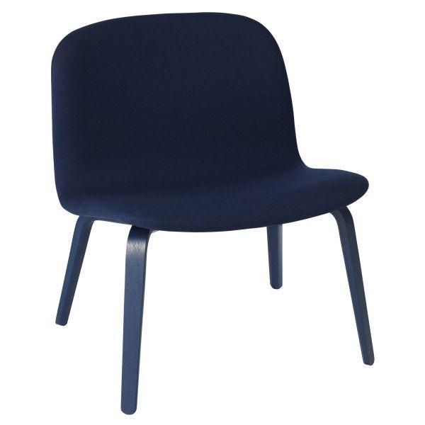 Visu gestoffeerde loungestoel | Muuto. 60 centimeter, een diepte van 51 centimeter en een hoogte van 69 centimeter. De zitbreedte is 60 centimeter, de zitdiepte is 39 centimeter en de zithoogte is 40 centimeter.