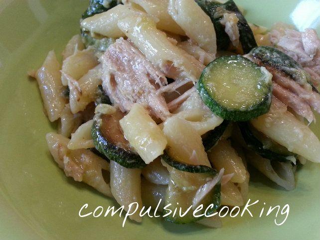 Pasta+tonno+e+zucchine+-+ricetta+facile