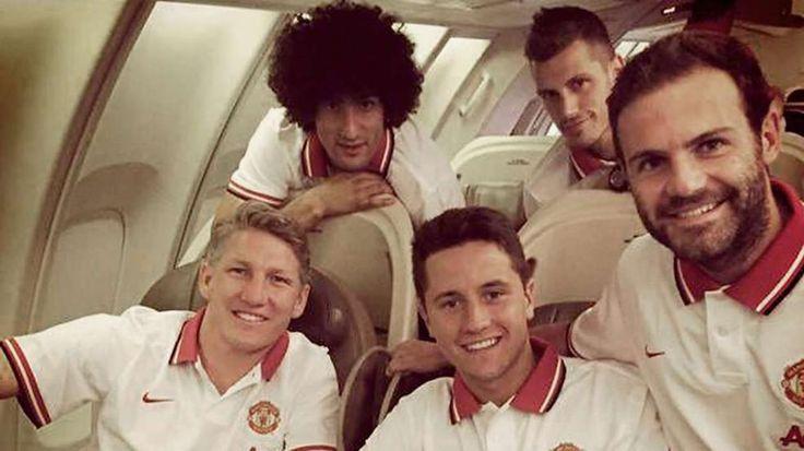 Erster Betriebsausflug mit Manchester United: Schweini geht's good http://www.bild.de/sport/fussball/bastian-schweinsteiger/mit-manchester-united-in-den-usa-gelandet-41771648.bild.html