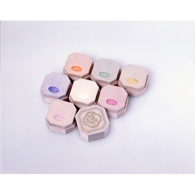 """Shiseido was the first Japanese company to create """"Rainbow Face Powder"""" in seven shades. Before this, women only wore white face powder, as the ideal complexion was that of a porcelain doll."""