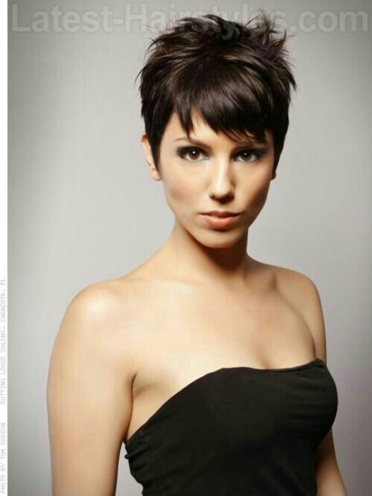 """Short & Sassy Carefree #hairstyle Brunette #beauty"""
